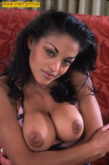 Sexy Latina Möpse