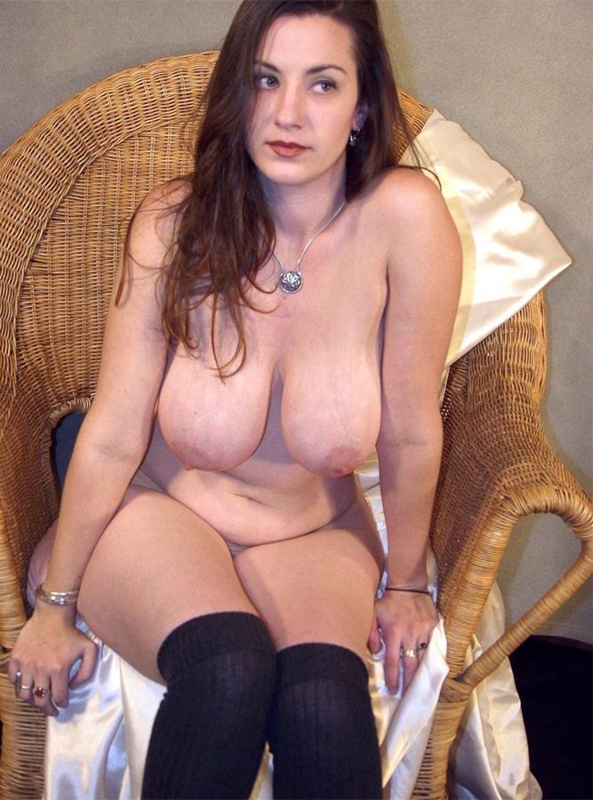Tolle Frau mit schönen Hängebrüsten