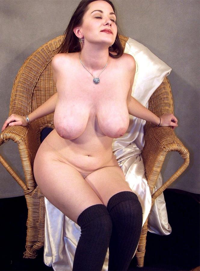 Das sind schöne pralle Titten einer sexy Frau